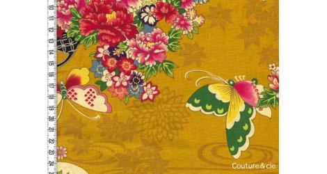 Tissu Fleurs et Papillons moutarde, coupon 54*110cm dans Kokka par Couture et Cie