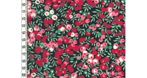 Tissu Liberty Wiltshire rouge fond marine dans Batistes Tana Lawn par Couture et Cie