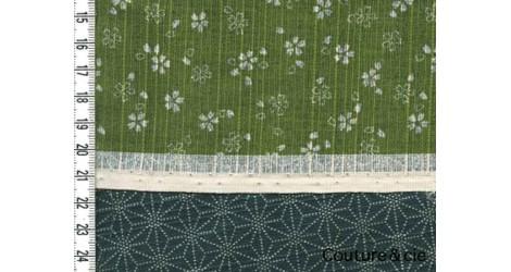Tissu double face Sakura/Asanoha vert dans Motifs traditionnels par Couture et Cie