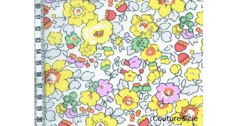 tissu liberty betsy jaune en vente chez couture cie. Black Bedroom Furniture Sets. Home Design Ideas