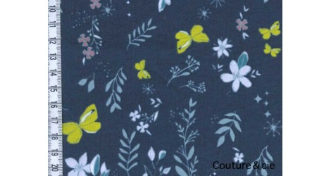 Tissu AGF papillons, collection Nightfall dans ART GALLERY FABRICS par Couture et Cie