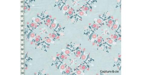 Tissu AGF Joy Wreaths Ice, collection Blithe dans ART GALLERY FABRICS par Couture et Cie