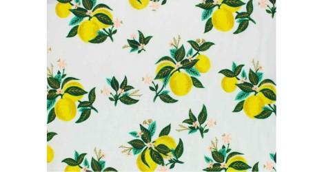 Tissu Rifle Paper Primavera Citrus Blossom Lemon metallic, x10cm dans Rifle Paper Co par Couture et Cie