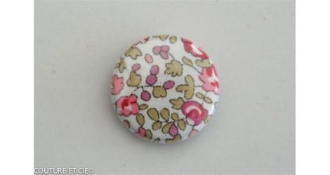 Petit Badge Liberty Eloise rose dans Badges 25 mm par Couture et Cie