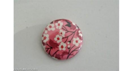 Petit Magnet Mitsi Valeria rose dans Magnets 25 mm par Couture et Cie